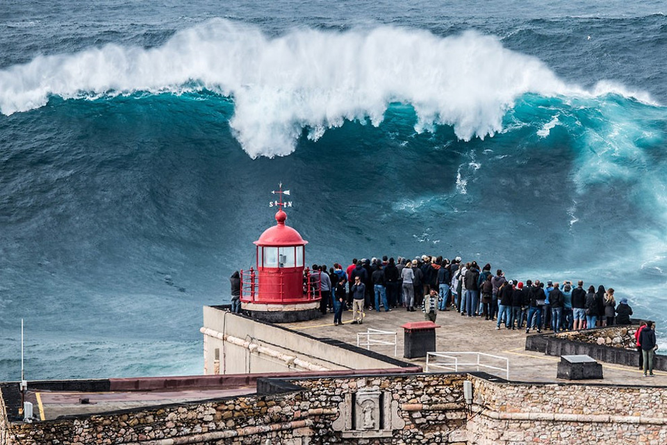 Destinos para surfear Nazaré,