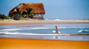 Destinos para surfear Praia do Tofo, Mozambique