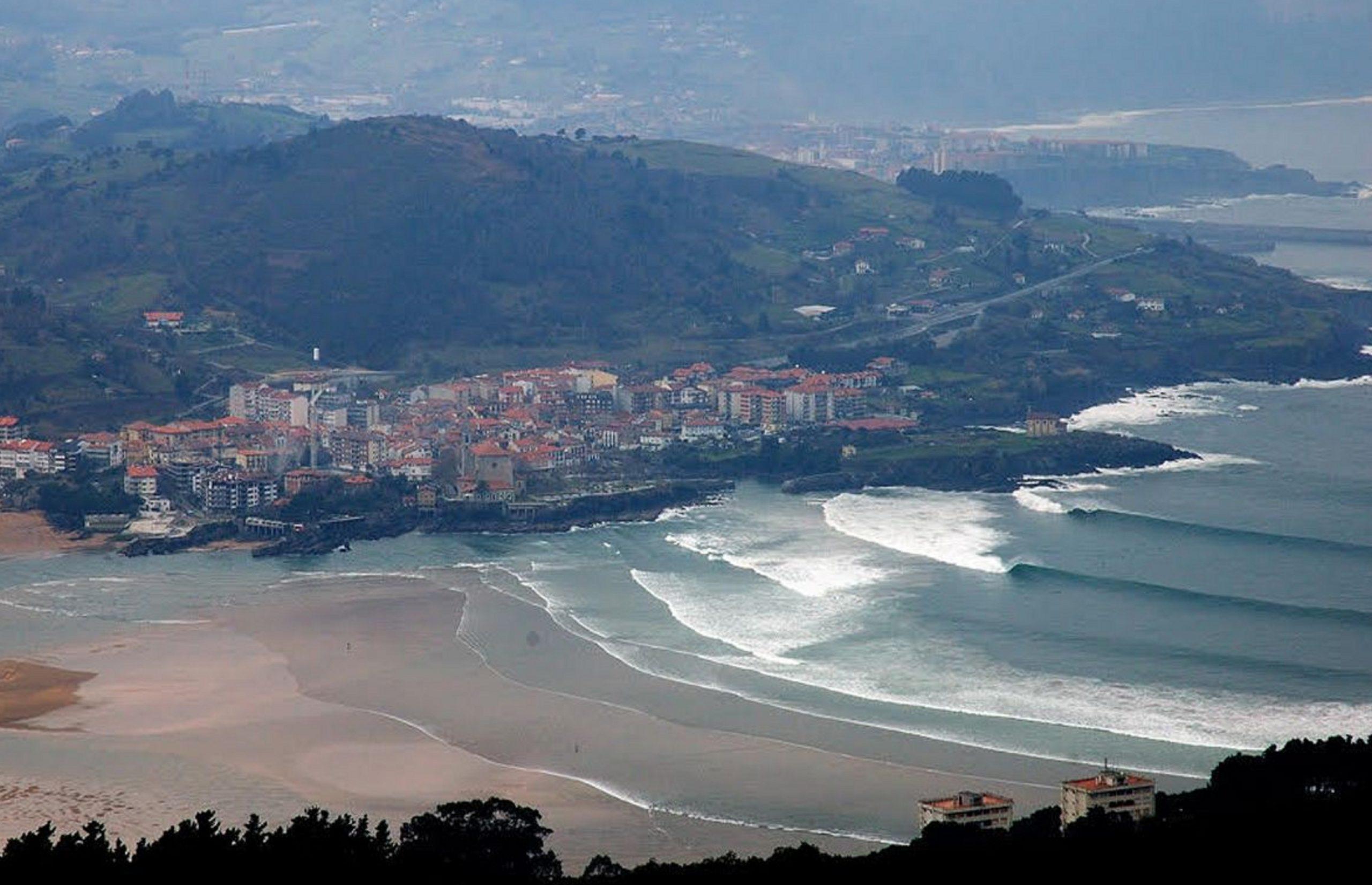 ¿Dónde hacer surf en España? Mundaka, Basque Country