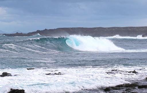 ¿Dónde hacer surf en España? Surf Spot El hierro, Fuerteventura
